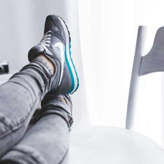descansar pies mujer cancer mama podologos zaragoza